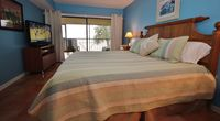 Vibrant, 2 BR Beachfront Condo in Madeira Beach Close to World Famous John's Pass!