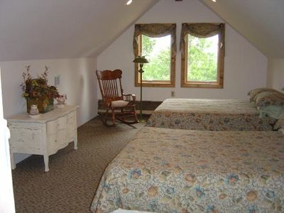 Cozy Upstairs Bedroom has Two Doubles