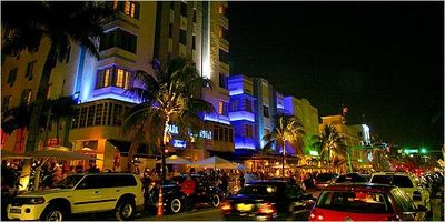 Enjoy the Ocean Drive Vibe. Great dining