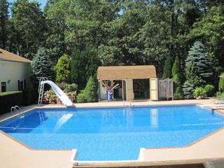 Hampton Bays house photo - 40' x 32' pool