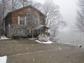 Chattanooga cabin photo - January 2010 Snow falling at the Shawnee Cabin