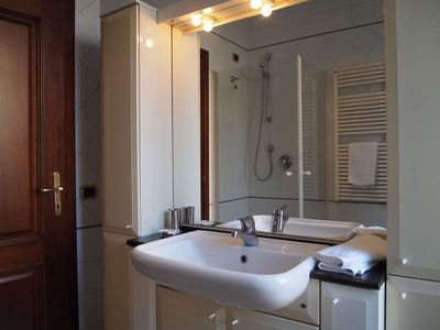 Second Bathroom ( handbasin, WC,bidet, enclosed shower).