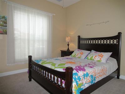Villa Great Emotions am Kanal Cape Coral - Gästezimmer 2 mit Queenbett