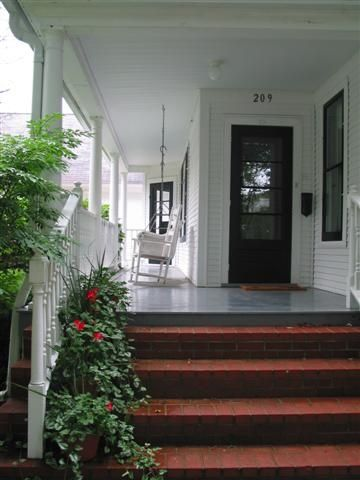 Front Porch w Swing