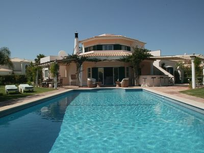 Air-conditioned house, close to the beach , Quarteira, Faro