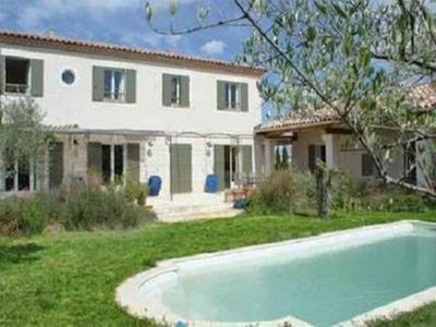 Beautiful modern country house in the heart of Uzes view the Duchy