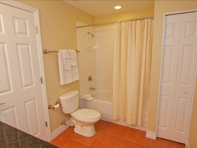 Unit exceptionally clean with linens and towels provided.  Bathtub/shower.