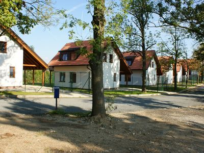 Comfortable cottage at pond. Privat garden, terrace and fireplace. Boat for free
