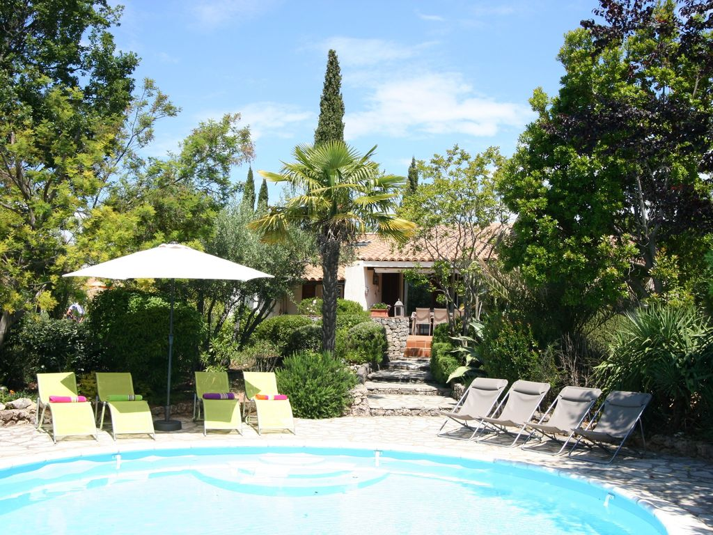 Air-conditioned accommodation, 175 square meters , Seillans