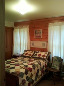 Huletts Landing house rental - Double bedroom off the living room