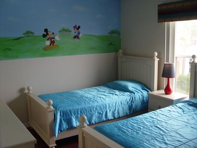 Kids Room 2 with two twin beds
