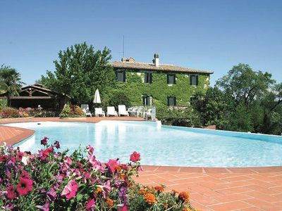 Farmhouse Villa with outdoor swimming pool near Siena, Tuscany, Italy