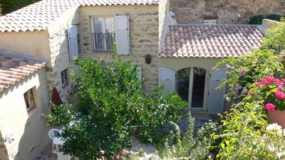 pretty house in duplex courtyard garden Cassano 20 'beach Calvi / Ile-Rousse