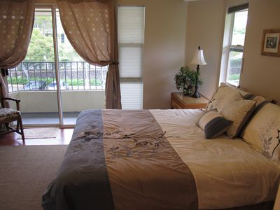 Queen Bedroom with it's own Private Lanai, a great place to view the sunrise!