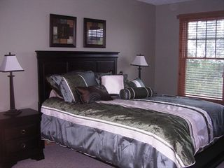 Tannersville townhome photo - Mater Bedroom with queen bed, valley and slope views