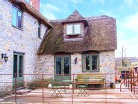 PLOUGH COTTAGE, romantic, with open fire in Somerton, Ref 920041