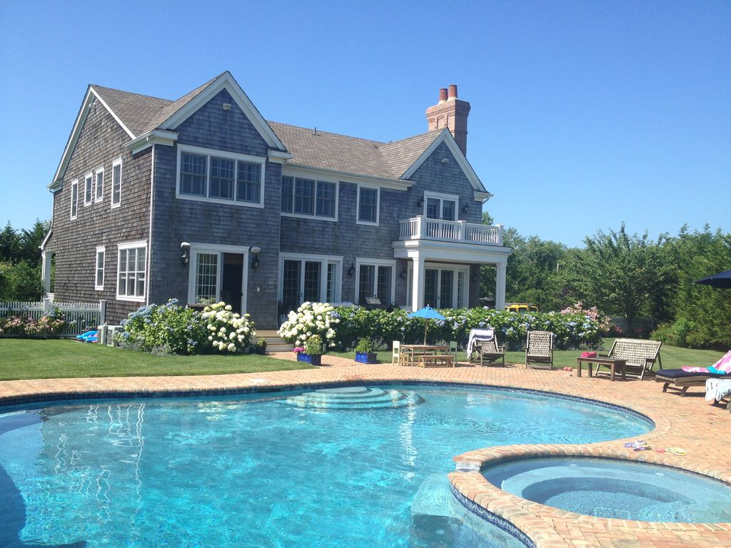 Hampton Estate With Pool And Tennis Homeaway Water Mill