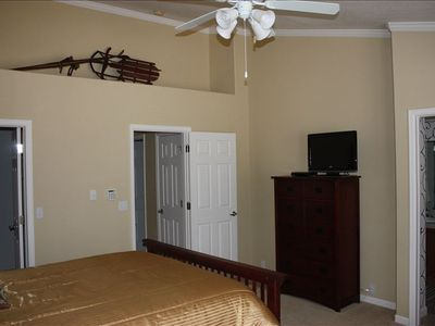 Master Bedroom - vaulted ceilings, 32 inch HD TV