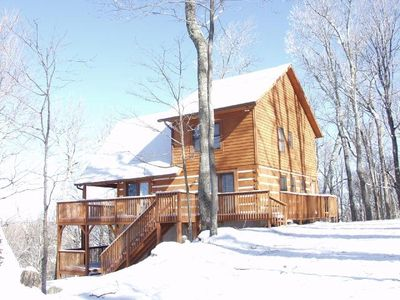 Ski retreat with long range view near blowing vrbo for Cabin rentals near blowing rock nc