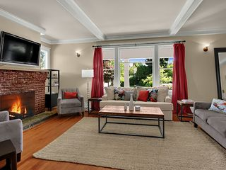 Seattle house photo - Living Room Overlooks Front Porch