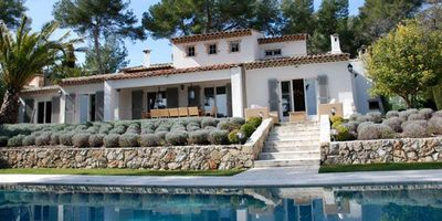 Beautiful Dream Home With Heated Pool Near Cannes