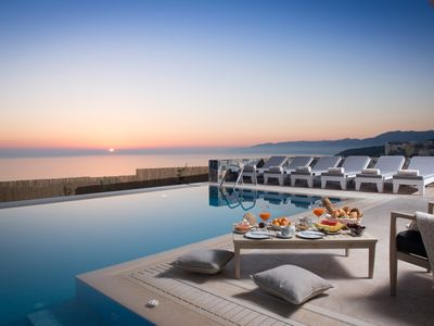 Villa Seaview private Villa with heated  Pool & Panoramic Seaview