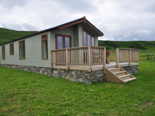 2 bedroom log cabin in campbeltown ocelo for Two bedroom log homes