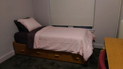 Private Hostel Type Room 2 blocks from University of Chicago #2
