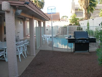 Covered Patio and Natural Gas BBQ