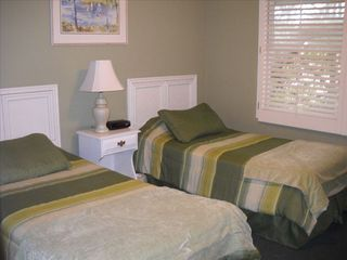 Isle of Palms house photo - 3rd Bedroom with 2 Twin beds.