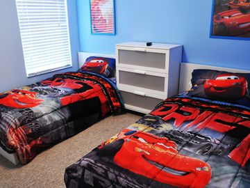 7 out of 7 modern bedrooms. Disney Rentals.