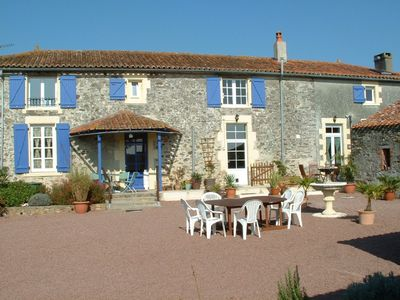 Traditional Vendeen Farmhouse in rural setting, incorporating 3 Gites - Fountain Gite-La Bouillatrie