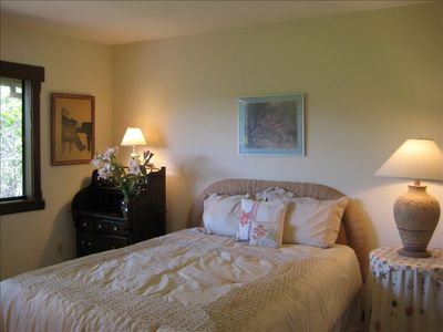 Carmel house rental - Queen bedroom 2
