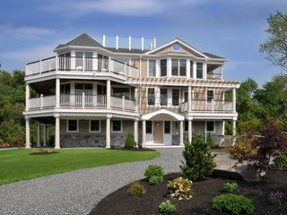 Jamestown (Conanicut Island) property rental - Front of house.