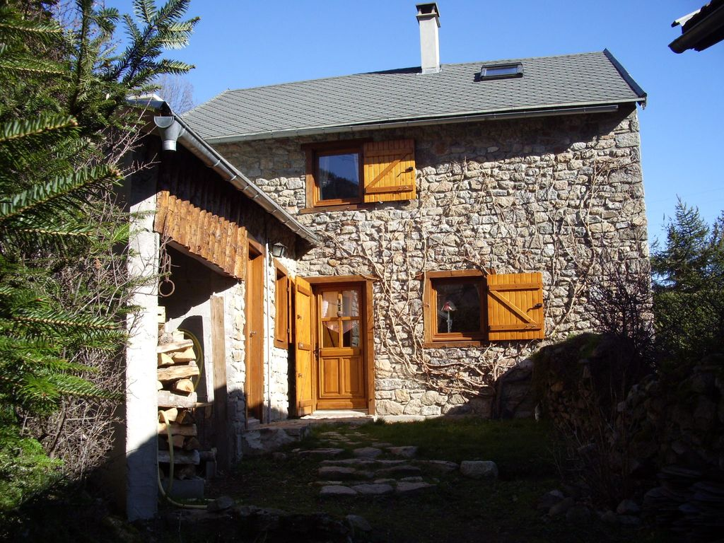 Quiet And Comfortable Mountain Home Of 120 M2 Near