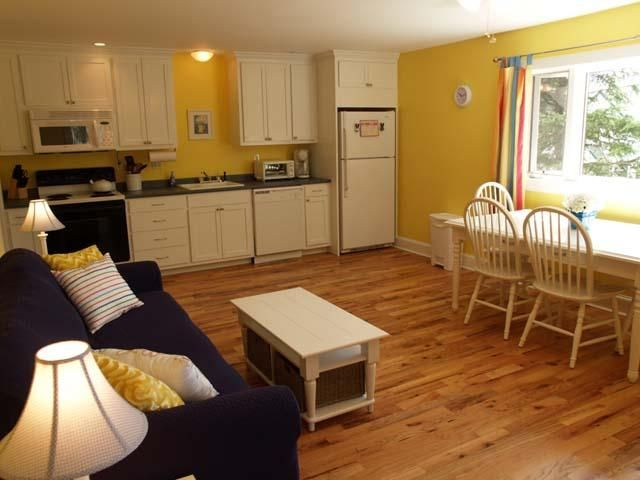 Affordable Northeast Harbor Cottage: Walk to town/shops. Best value in NEH!