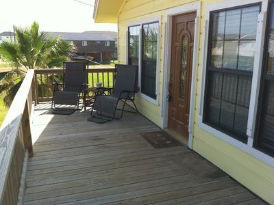 Enjoy the Gulf breeze and the view from the front deck.