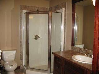 Canmore condo photo - En Suite