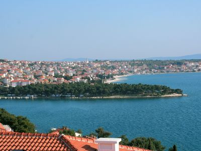 Trogir apartment rental - Beach hasLong boardwalk, cafes, bars and restaraunts. 5/20 minutes Car/Foot.