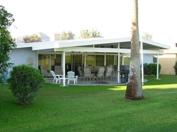 Palm Desert house rental - Patio from golf course