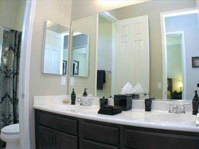 Guest bathroom /w 2 sinks