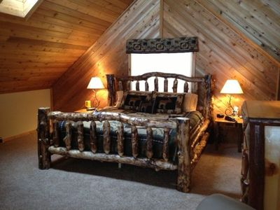 Master loft suite, king log bed, private full bath, lots of natural light