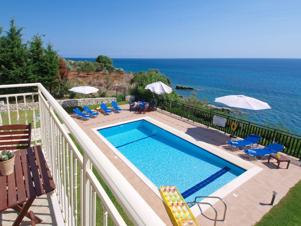 Air-conditioned accommodation, 120 square meters, close to the beach