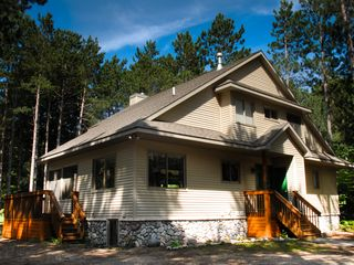Laughing moose lodge at crystal mtn homeaway for Crystal mountain cabin rentals