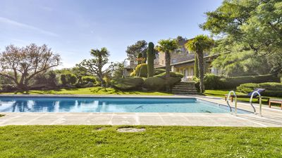 Exceptional Provencial Mas 5 * heated pool 50 mn from sea hottub air cond. sauna