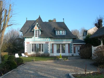 Norman mansion between Deauville and Honfleur, facing the sea
