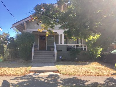 Lovely Rose City 2-bedroom In Quiet, Safe Neighborhood Close to Everything!