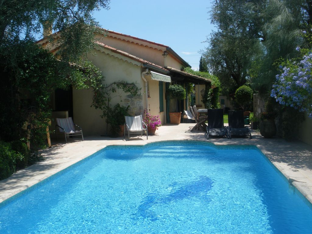 4p charming house with swimming pool, summer kitchen, garden, private.