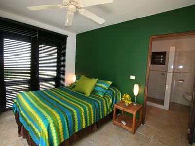 Curacao villa rental - Guest Suite lower level (Queen bed) ensuite bath.