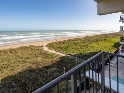 Baechfront 2 BR/2 BA Sleeps 4-6, Beachfront Pool, Free Wi-Fi Owner's Special